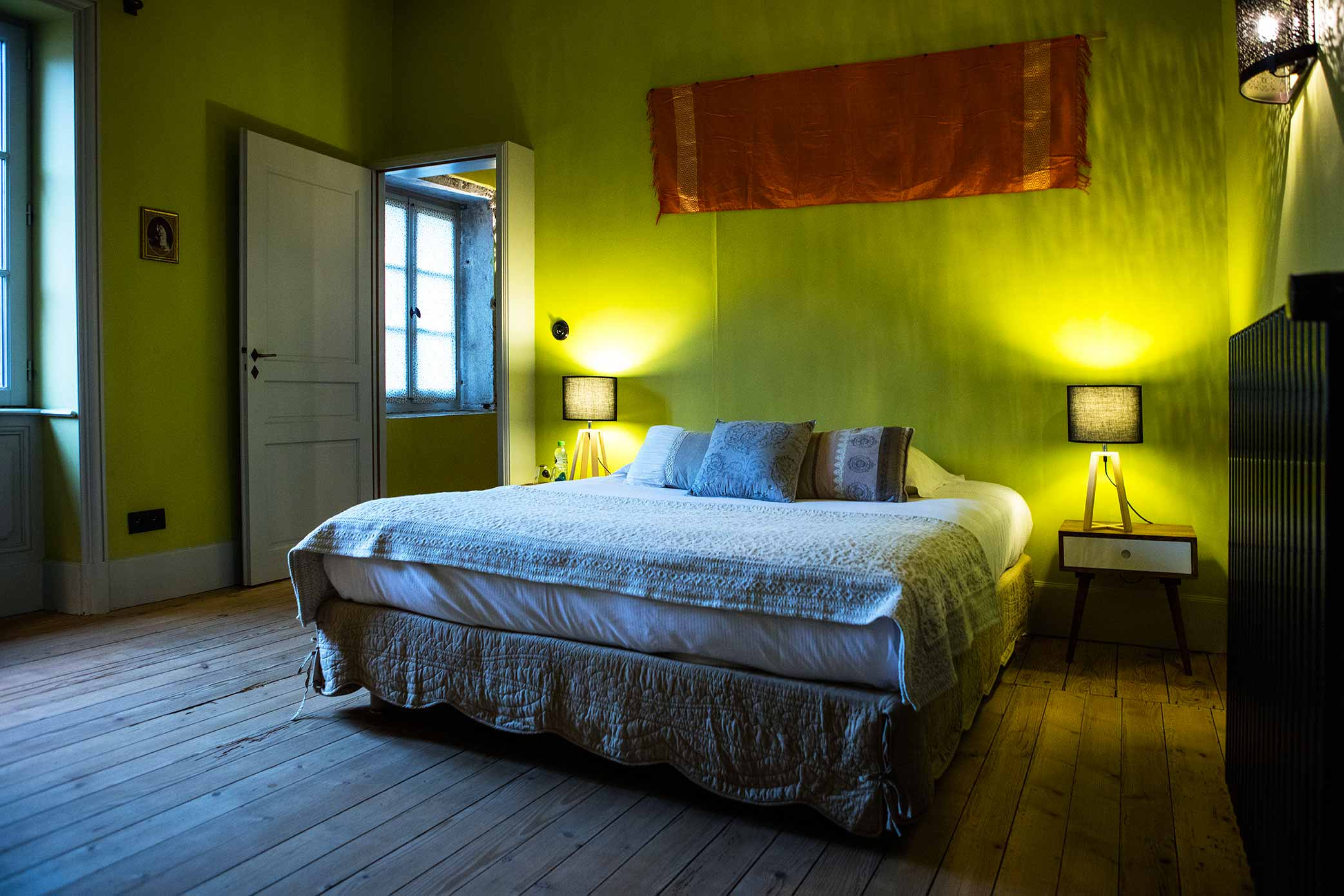 chambres d 39 h tes bourgogne fuiss. Black Bedroom Furniture Sets. Home Design Ideas